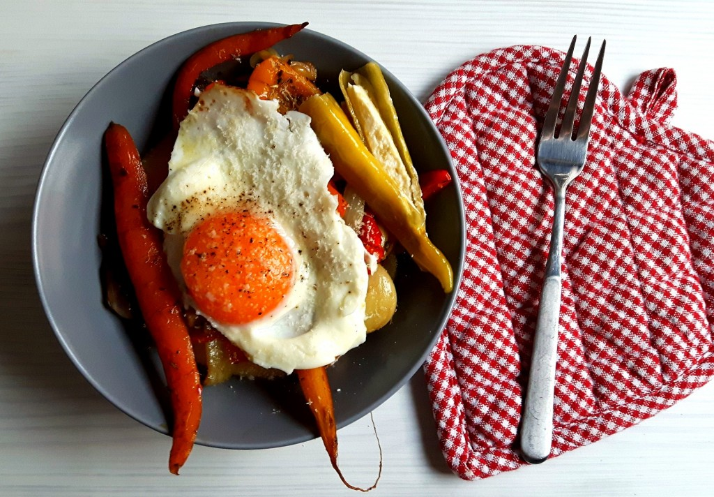 Polenta, vegetables and eggs - a happy triangle